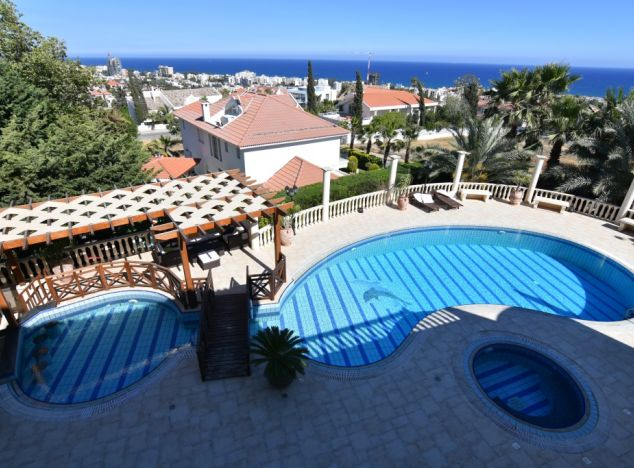 Buy Villa 10679 in Limassol