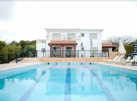 Cyprus property, Villa for holiday rent ID:11030