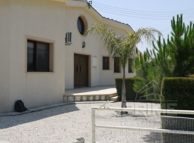 Cyprus property, Villa for holiday rent ID:12708
