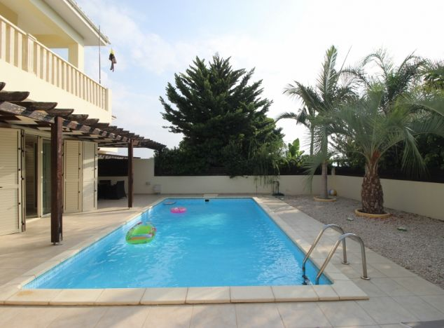 Sell Villa 13556 in Larnaca
