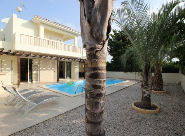 Buy Villa 13556 in Larnaca