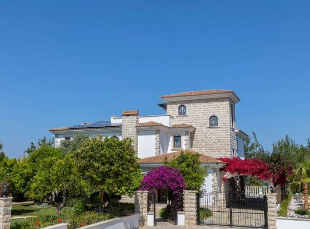 Buy Villa 14892 in Polis