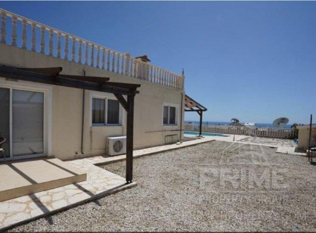 Bungalow 15300 on sell in Pissouri