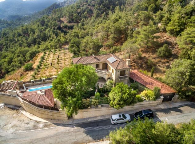 Villa 15332 on sell in Troodos