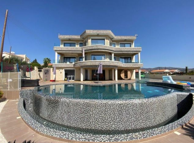 Sell Villa 16027 in Paphos