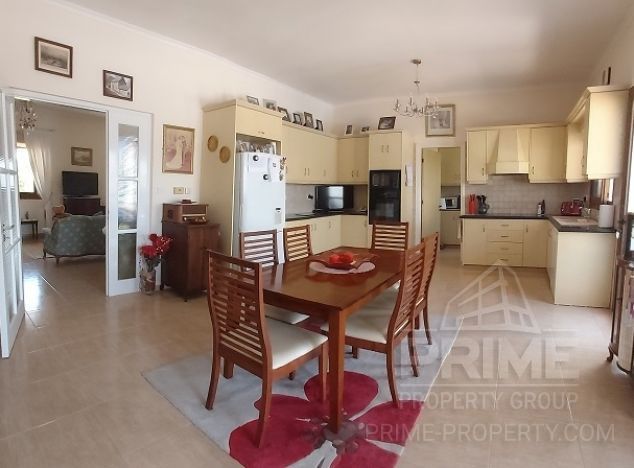 Bungalow 16662 on sell in Limassol