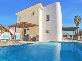 Cyprus property, Villa for holiday rent ID:3222