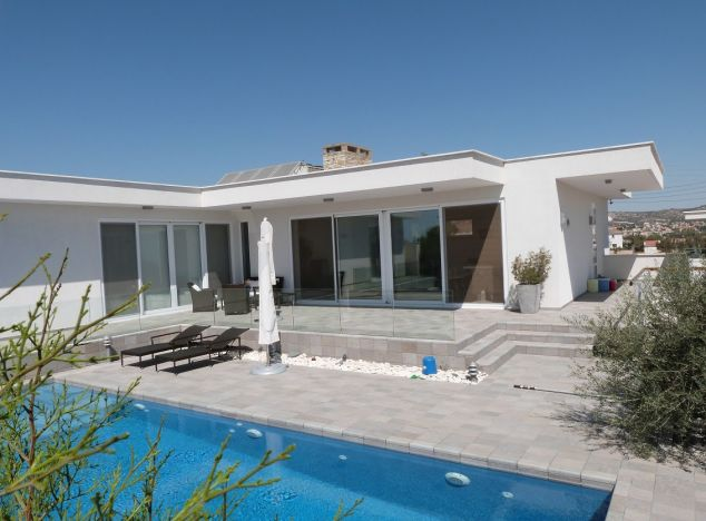 Bungalow 4253 on sell in Larnaca