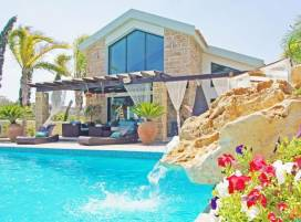 Cyprus property, Villa for holiday rent ID:4413
