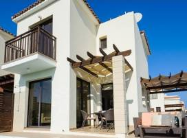 Cyprus property, Villa for holiday rent ID:4621