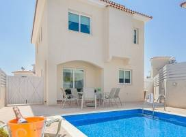 Cyprus property, Villa for holiday rent ID:4664