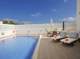 Cyprus property, Villa for holiday rent ID:4938