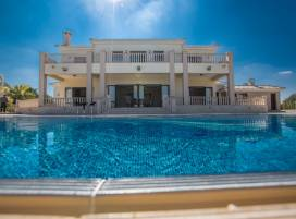 Cyprus property, Villa for holiday rent ID:5427