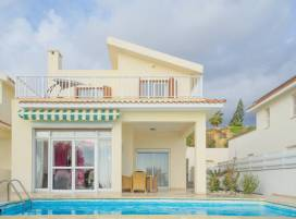 Property in Cyprus, Villa for holiday rent ID:5655