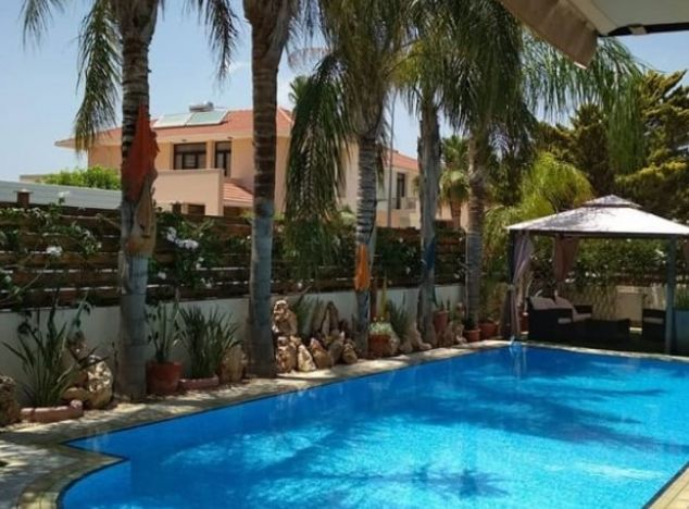 Sell Villa 5882 in Larnaca