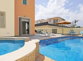 Cyprus property, Villa for holiday rent ID:6214