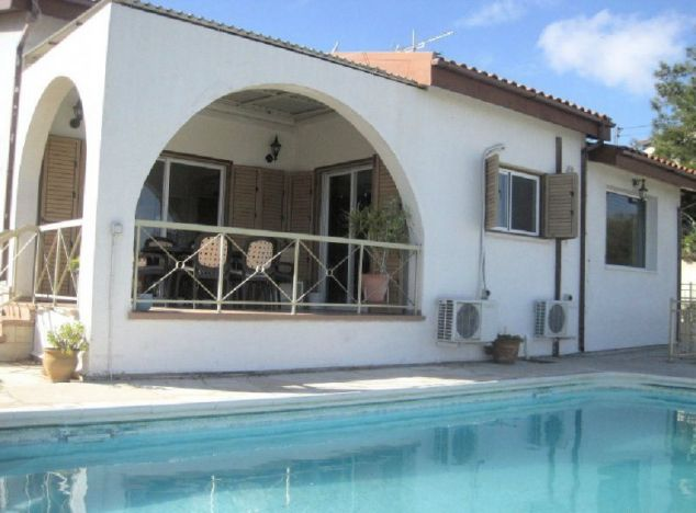 Bungalow 6909 on sell in Pissouri