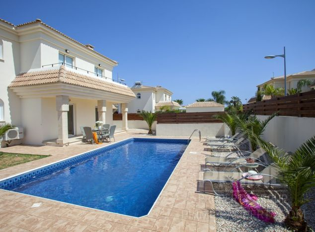 Cyprus property, Villa for holiday rent ID:7221