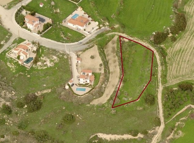 Land 7484 on sell in Pissouri