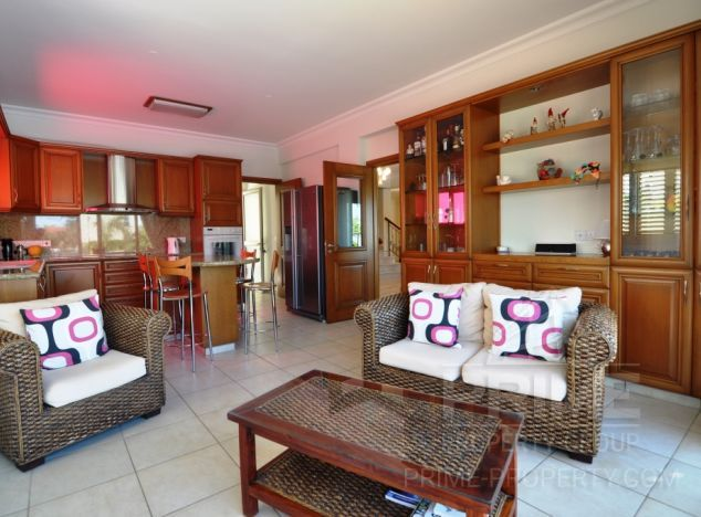 Cyprus property, Villa for sale ID:8397