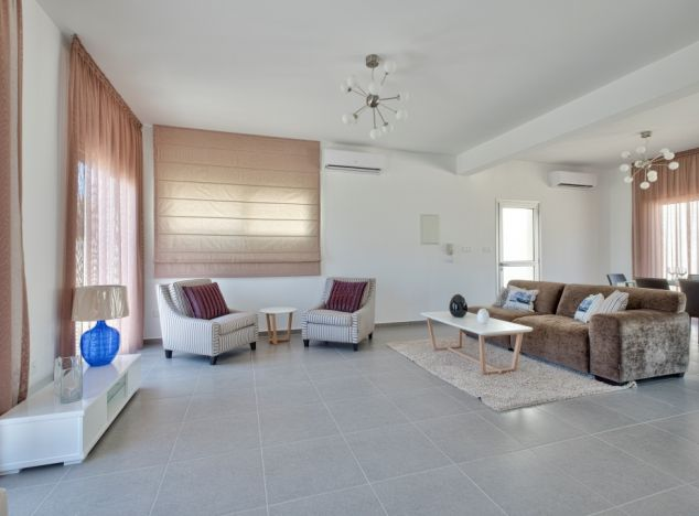 Cyprus property, Villa for sale ID:8417