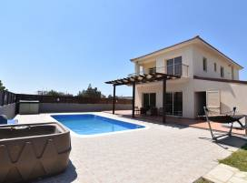 Cyprus property, Villa for rent ID:8553