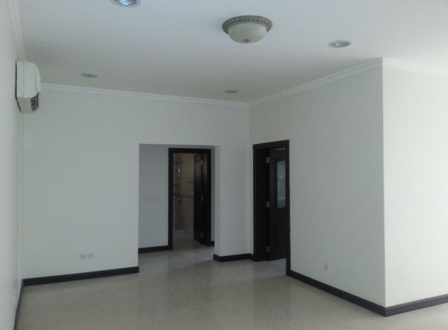 Apartment 9153 in Polis